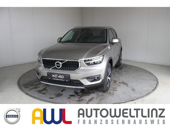 Volvo XC40 T2 A MOMENTUM PRO bei Autowelt Linz in