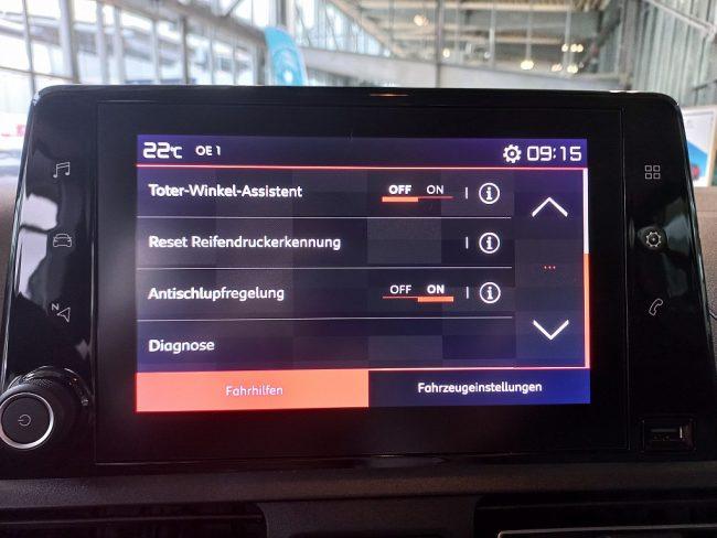 525223_1406497537144_slide bei Autowelt Linz in