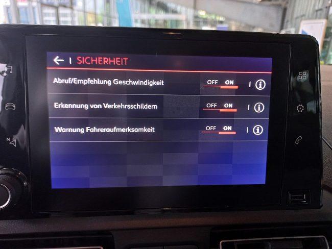525223_1406497537146_slide bei Autowelt Linz in